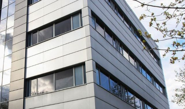 Office Centre in Linz for Sale, Net Yield = 8.4%